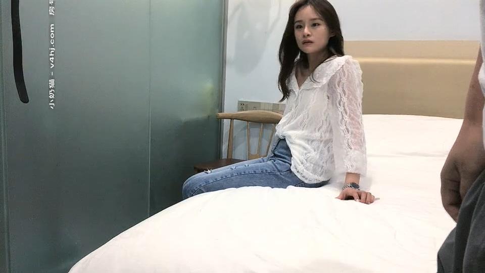 【采花丶阿朴】11.19日约了个白衣牛仔裤兼职妹 啪啪