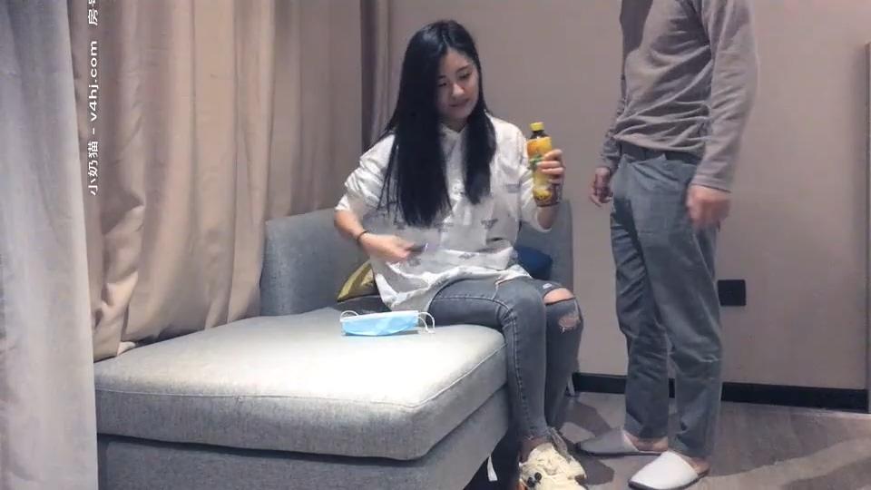 【文轩丶探花】11.25日第二场约了个牛仔裤外围女 沙发啪啪